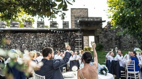 Frignano: Blitz dei finanzieri a Villa Andrea durante la promessa di matrimonio, violano le norme anti-covid, 10 mila euro di multa tra invitati e proprietà